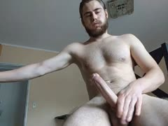 str8 muscled Aussie on cam jerks his big cock n cums